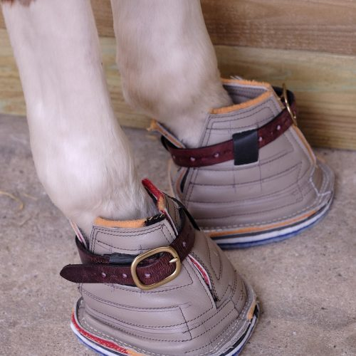 Mares covering boots