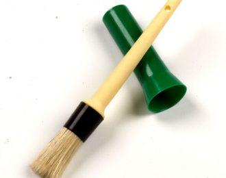 Hoof Oil Brush with Plastic Cap Cover